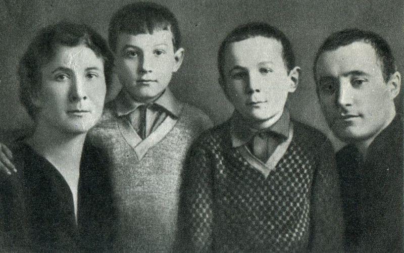 Картинки по запросу семья космодемьянских